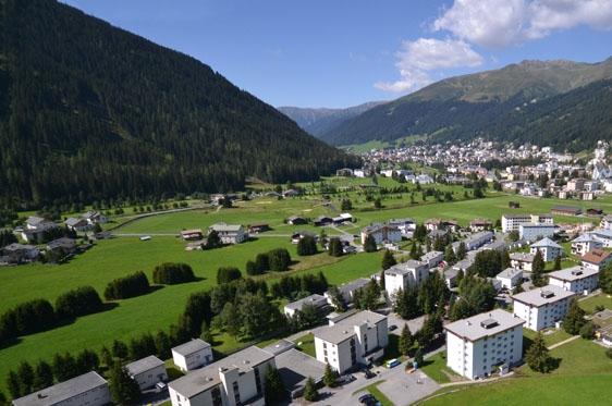 Appartement feriensiedlung solaria in davos zwitserland for Design appartement zwitserland