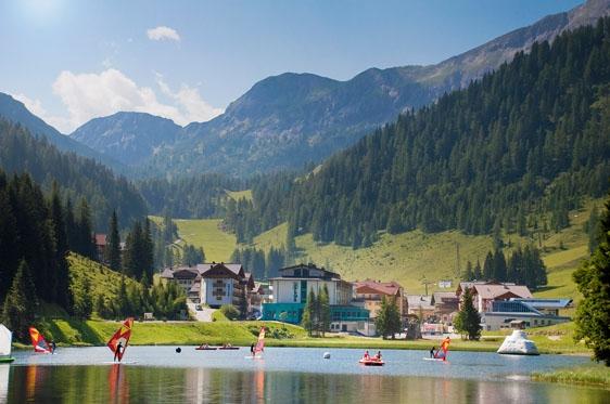 Zomervakantie Zauchensee Oostenrijk Alpenvakanties Met Berg En Meer